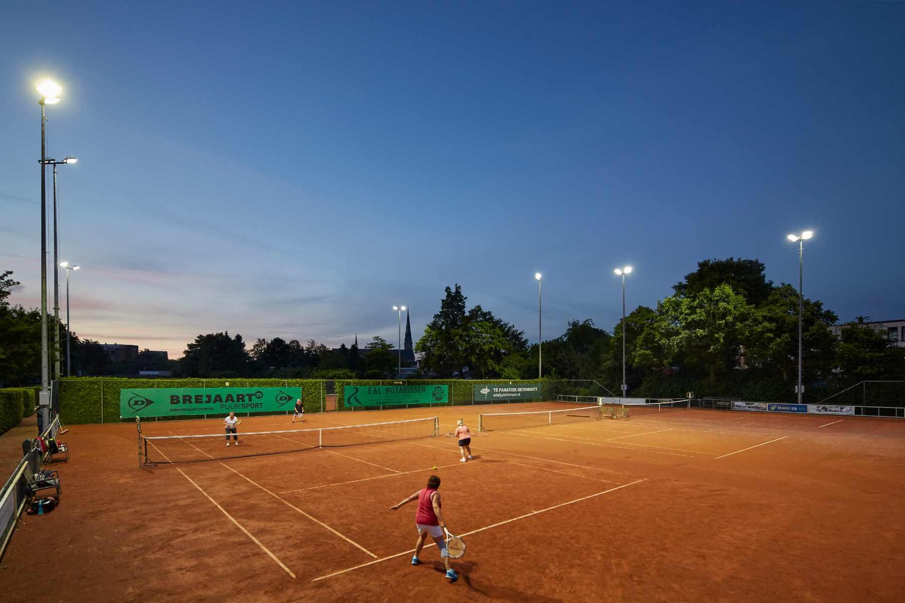 https://sportverlichting.com/wp-content/uploads/2019/10/TV-Markant-Breda_0003.jpg